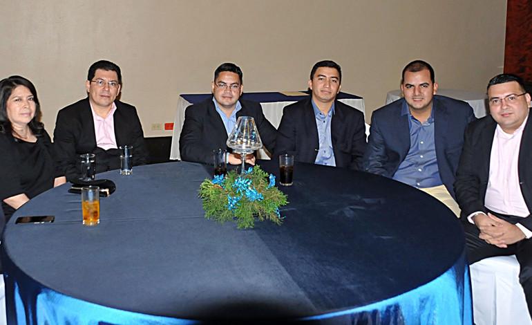 Lester Castellanos, Carmen Cerna, Carlos Almendares  Ricardo Lagos, Juan Acosta, Carlos Teruel e Isaí Aguilar.