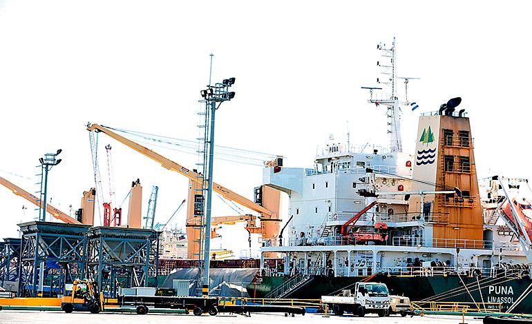 Reducción de espera de buques en bahía y la rapidez de descarga son los principales logros de este proyecto.