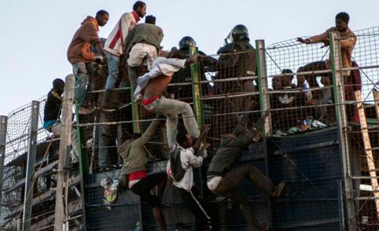 Hallan muertos 7 africanos que trataban de llegar a España