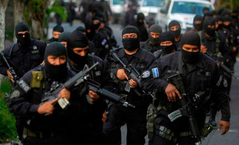 Detenidos dos policías por fuga de 10 pandilleros en El Salvador