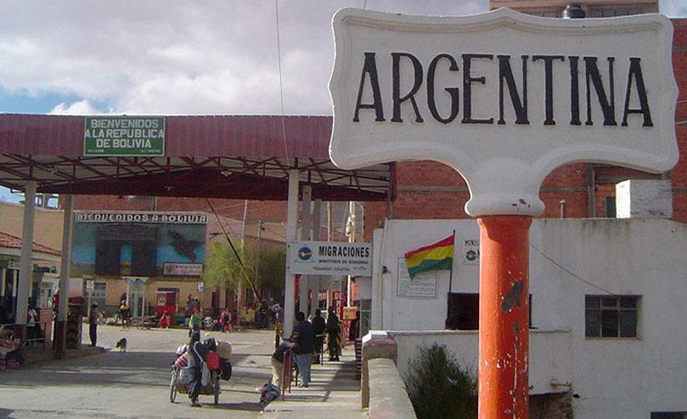 Bolivia pide a Argentina cambios en ley migratoria