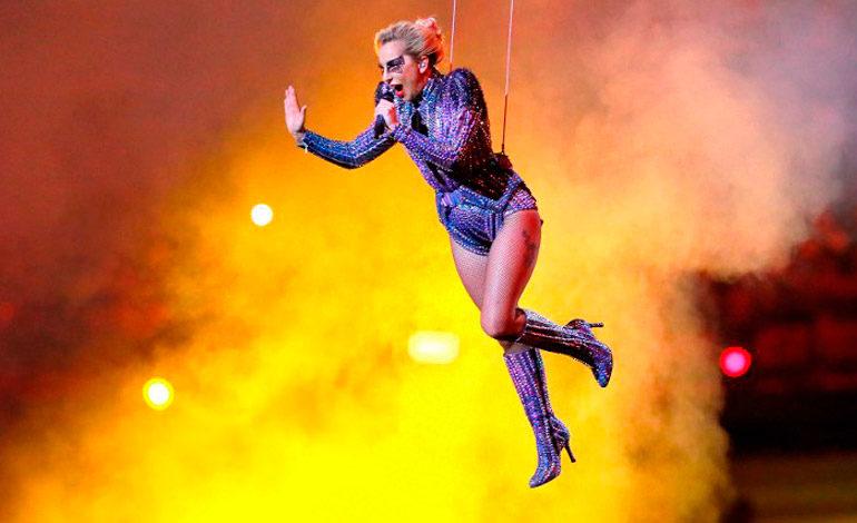 VÍDEO: Tremendo espectáculo artístico de Lady Gaga en el Super Bowl