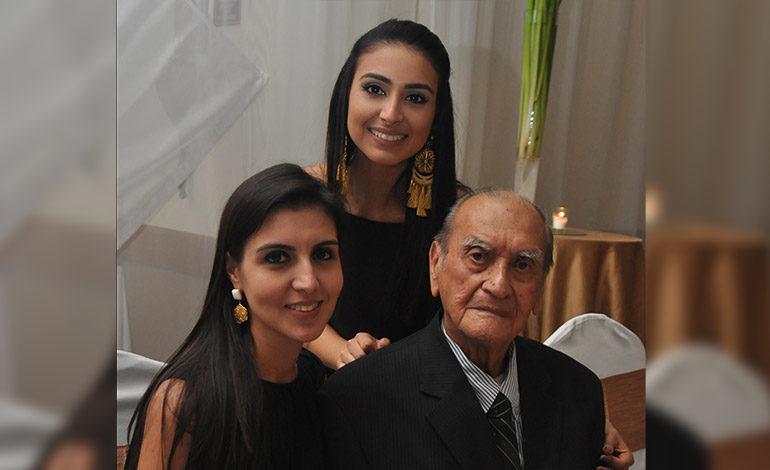 Rosa María, Analía y Ángel Morales.