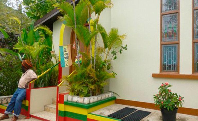 Un ángulo de la casa (museo) de Bob Marley en Nine Mile, declarada monumento nacional por el gobierno de Jamaica. Atractivo turístico de la isla.