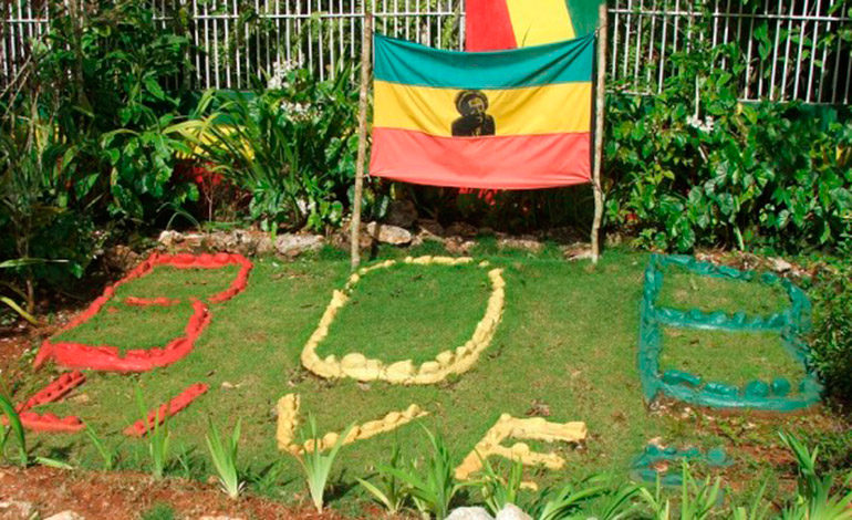 Fue enterrado en Jamaica con honores de Jefe de Estado. Mausoleo que se ha convertido en un lugar de peregrinaje para sus millones de fans y para los seguidores del movimiento rastafari.