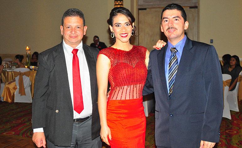 Harry Godoy, Mariela Aguirre, Franklin Guillén.