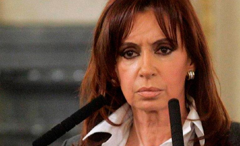 Expresidenta Fernández suspende viaje