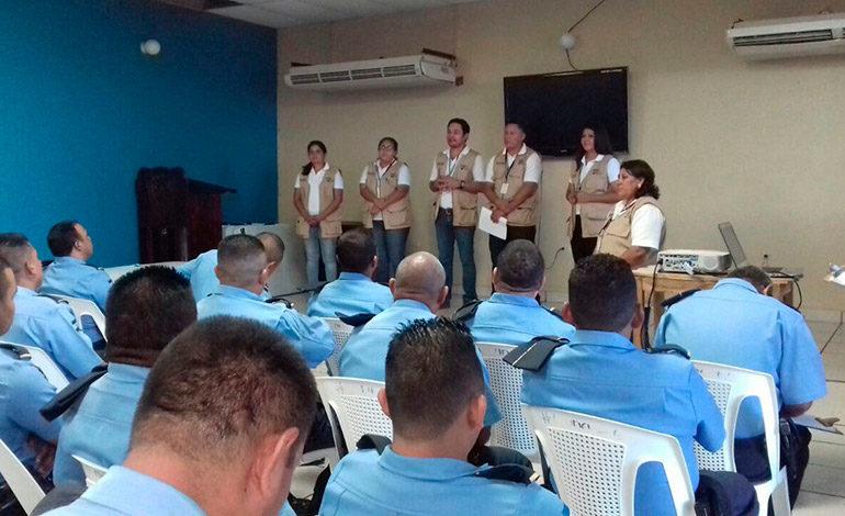 TSE capacita a policías sobre proceso electoral en Choluteca
