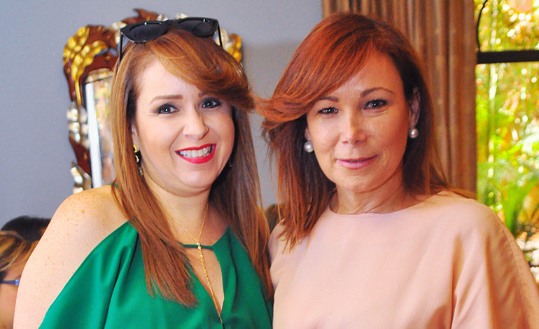 Elizabeth Zúniga y Ana Lucía de Zelaya.