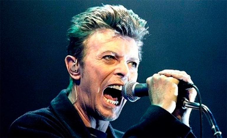 David Bowie obtiene cuatro premios en la ceremonia previa a los Grammy
