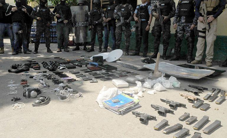 Pistola 'mata policías' y más de un kilo de cocaína decomisan en cárcel sampedrana