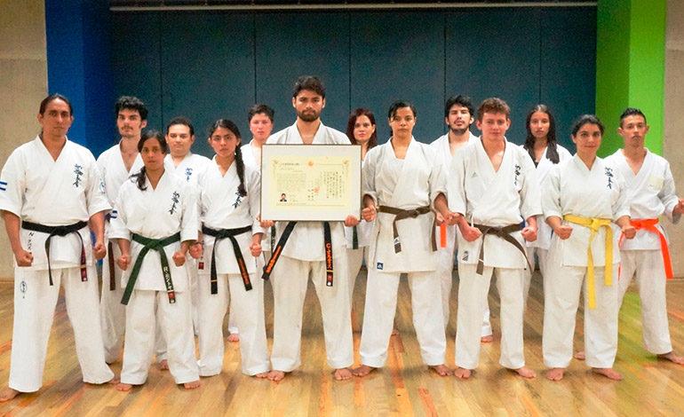 Hondureño obtiene grado en Full Contact Karate Nipón