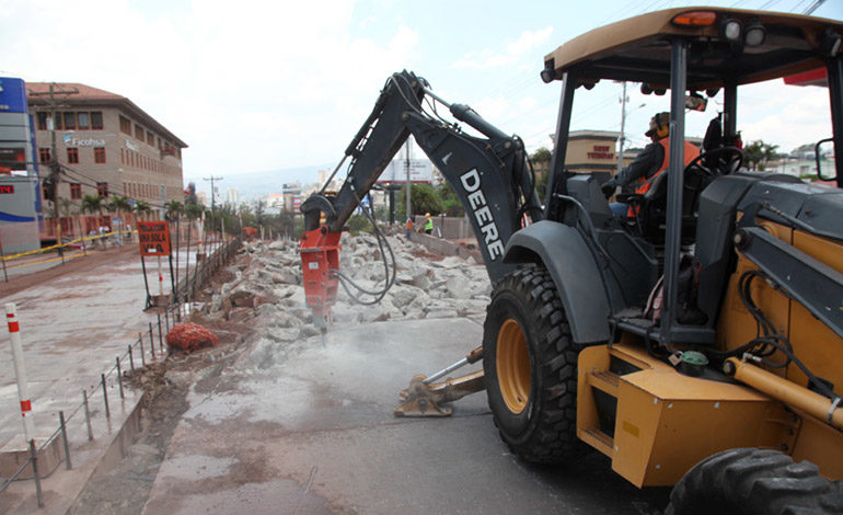 Modifican rutas por obras viales en bulevar San Juan Bosco
