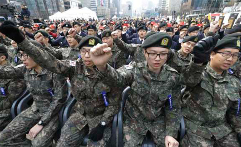 El ejército de Corea del Sur usa apps para destapar a soldados homosexuales