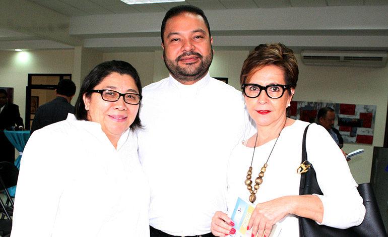 Ana Morales, Juan Carlos Martínez, Ana Maria Durón.