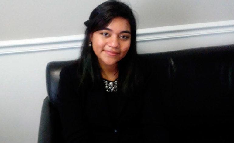 Estudiante hondureña sujeta a deportación podrá permanecer en EEUU