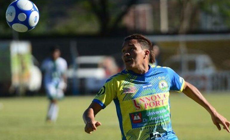 """""""Rambo"""" León critica a la liga salvadoreña por jugar en Semana Santa"""