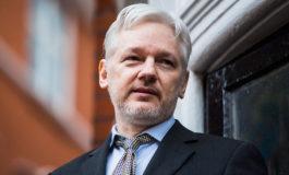 Assange teme que Ecuador le retire el asilo, afirma diputado alemán