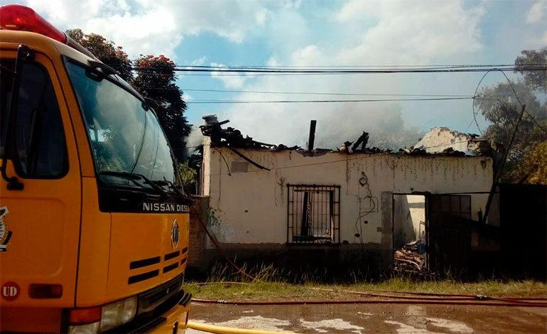 Incendio deja en la calle a vendedor de periódicos en Siguatepeque