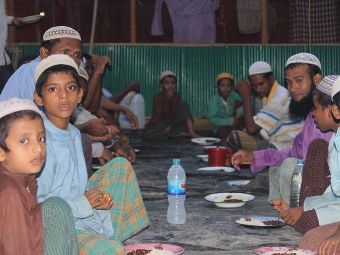 Projects | RAMADAN FOOD BASKET FOR ROHINGYA REFUGEES | LaunchGood