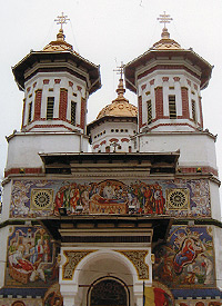 Eastern Orthodox Church in Romania. Photo by Carla Waldemar