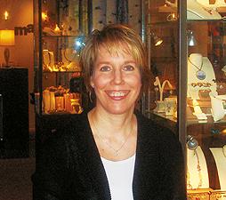 Ellen Hertz. Photo by Leah Lofgren