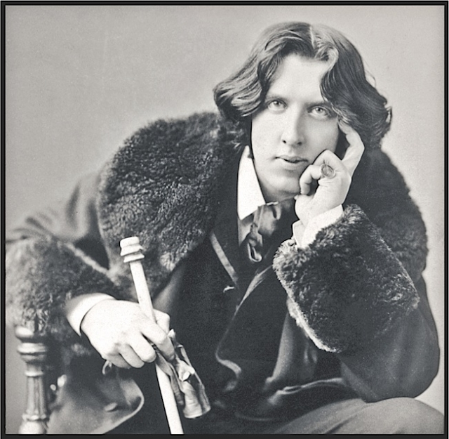 Oscar Wilde (photo by Napoleon Sarony, 1882)