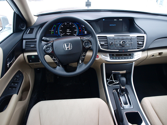 Honda Accord Hybrid 2