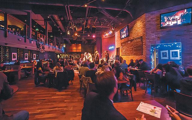 Dakota-View-from-the-bar