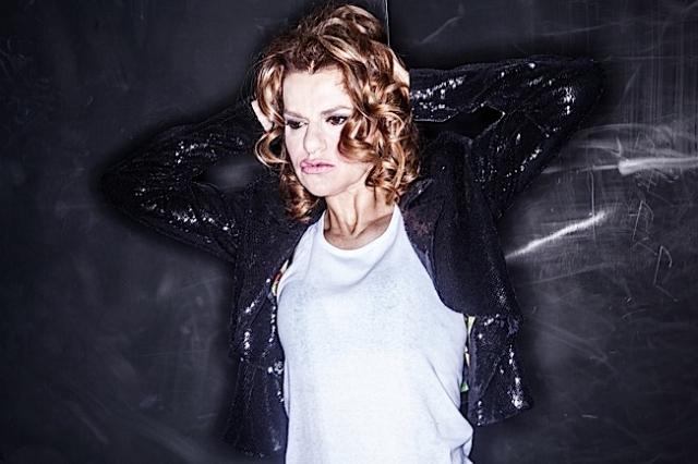 Sandra Bernhard color photo 2