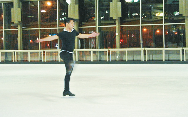 Tam-Bui-Ice-Skater4