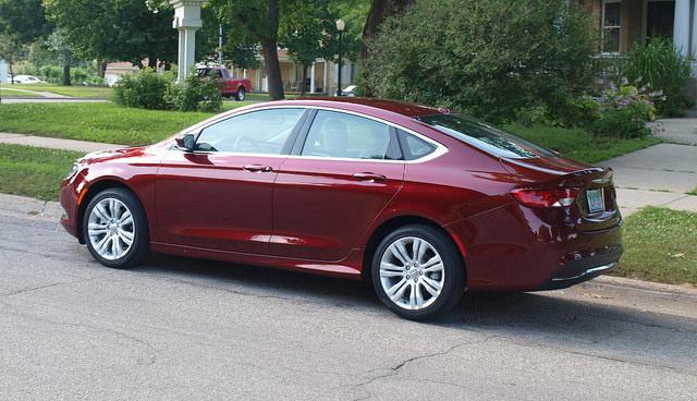 2015 Chrysler 200 4