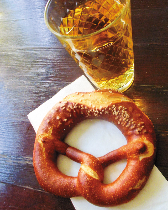 Frankfurt's famous duo pretzel and apple wine. Photo by Carla Waldemar