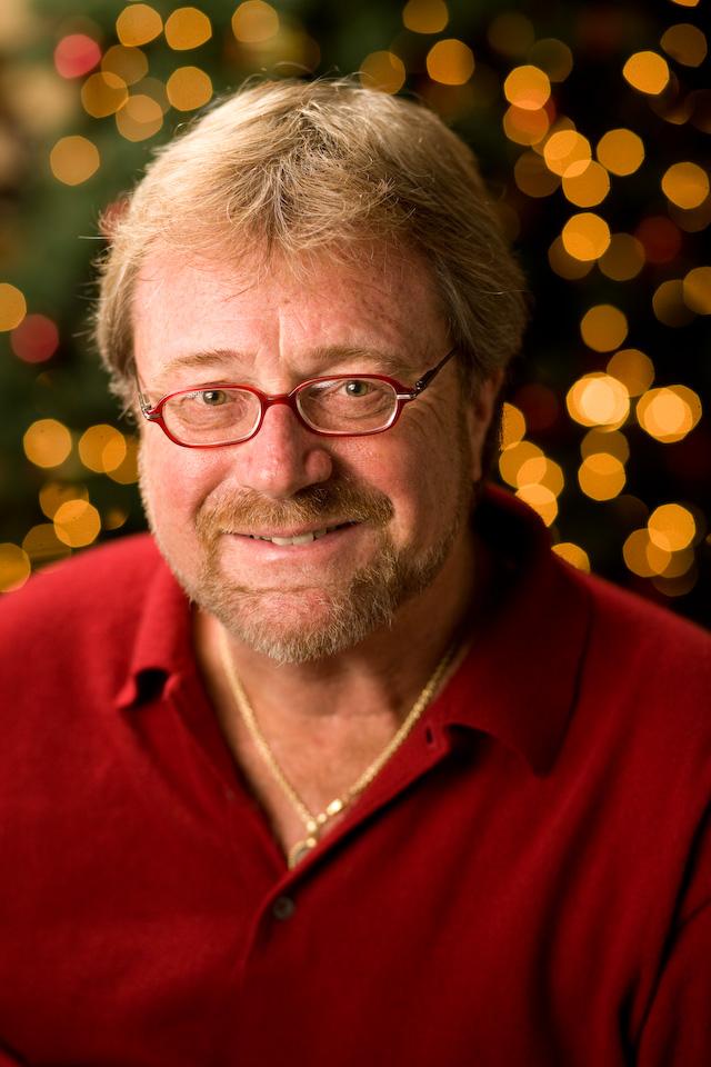 Davis_Christmas_headshot_08-144
