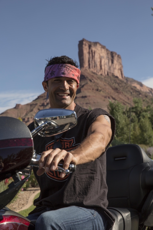 Gilles Marini takes a break during Kiehl's LifeRide for amfAR Photo by Travis Shinn