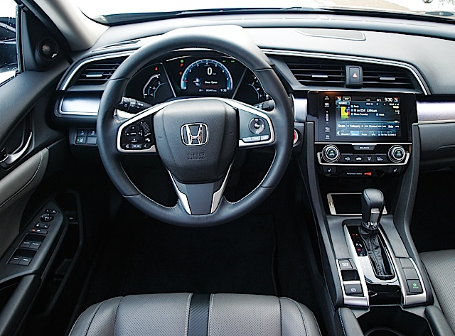 2016 Honda Civic Touring 008