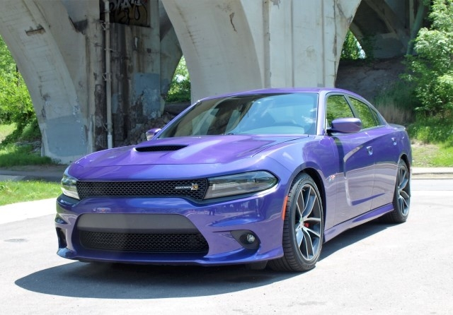 ride review 2016 dodge charger lavender magazine. Black Bedroom Furniture Sets. Home Design Ideas