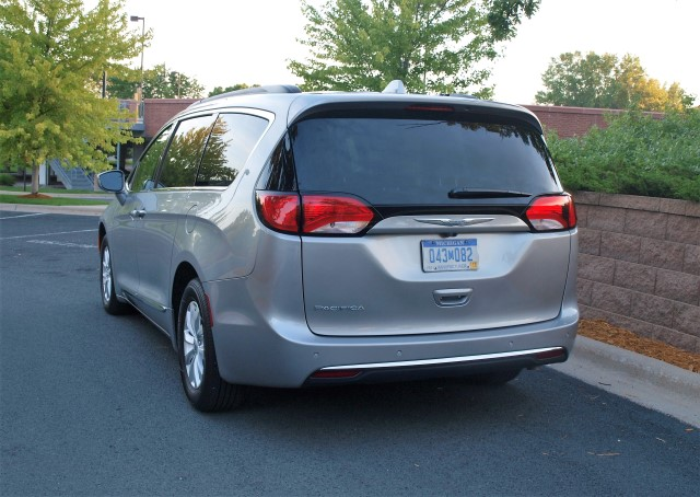 Ride Review 2017 Chrysler Pacifica Lavender Magazine