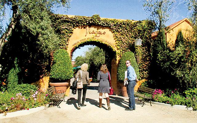 Viaggio produces fine wines from Italian varietals in Lodi, California.