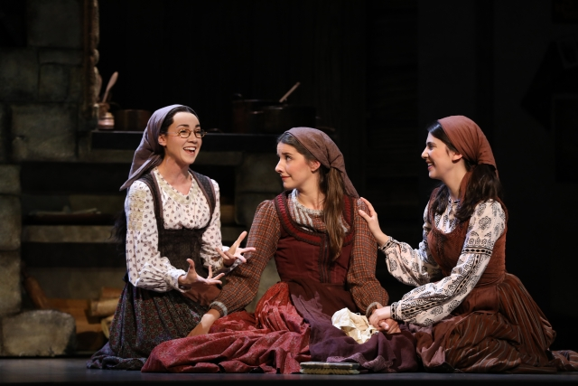 Natalie Anne Powers, Mel Weyn & Ruthy Froch play Tevye's daughters in the national tour of Fiddler on the Roof