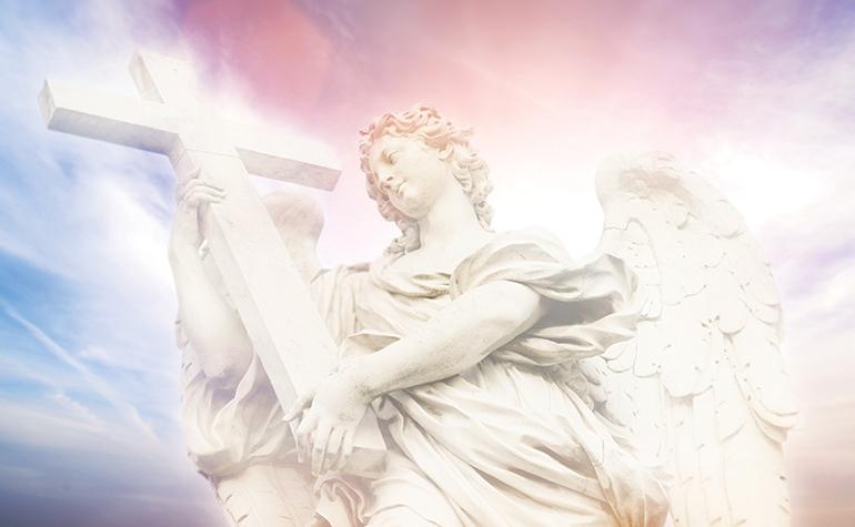 Ange et croix