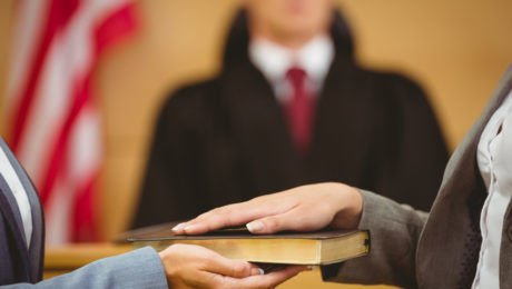 Why lawyers use expert witnesses in civil lawsuits 460x260 c