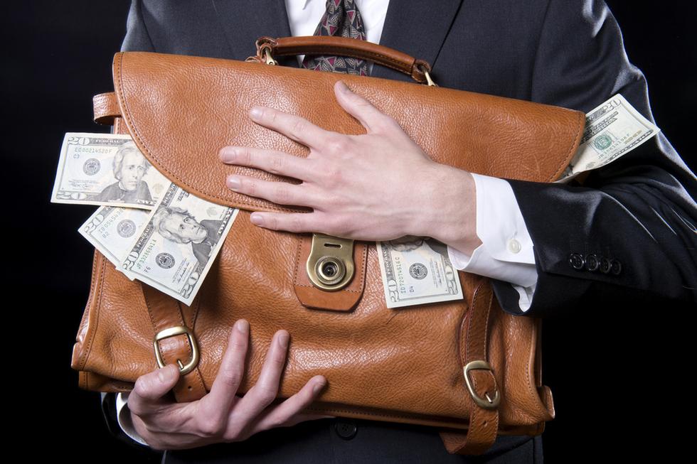 Embezzlement_briefcase
