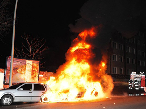 Car_on_fire