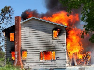 House_on_fire_im-optimized