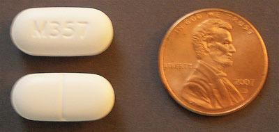 Vicodin-tablets-next-to-penny
