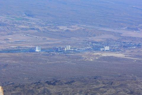 Laughlin_nevada_from_spirit_mountain_2-optimized