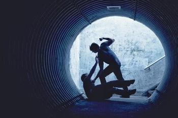 Tunnel_fight-optimized