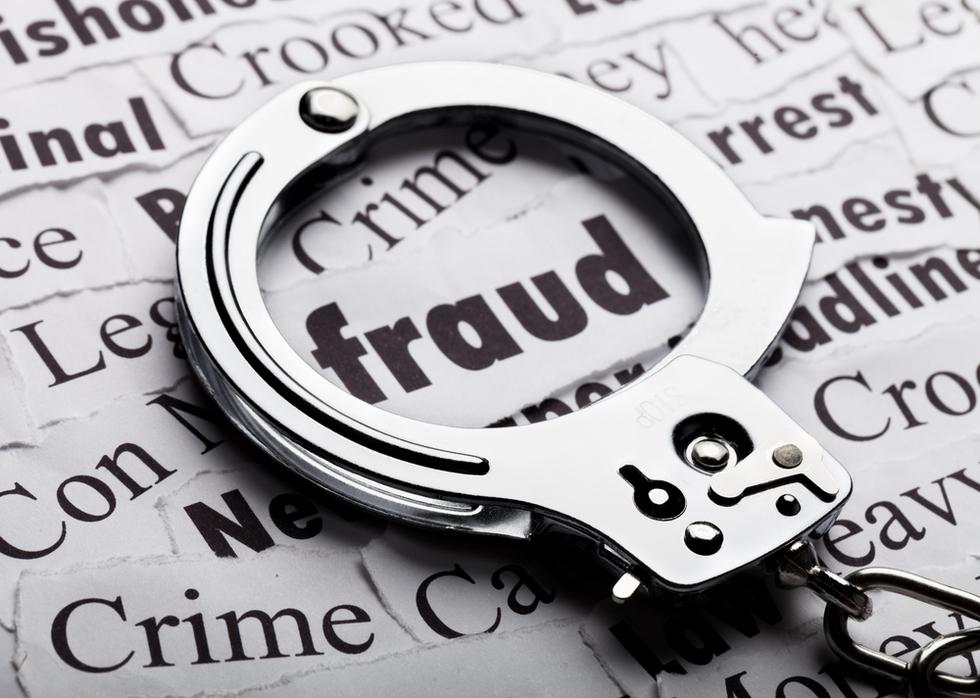 Filingfalsedocs_handcufffraud