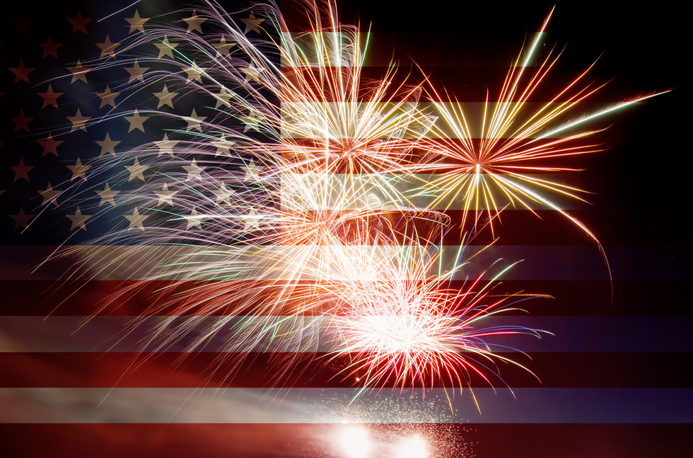 Fireworks_superimposed_on_US_flag
